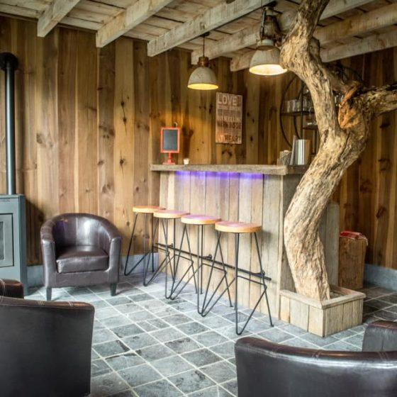 Petit bar en bois